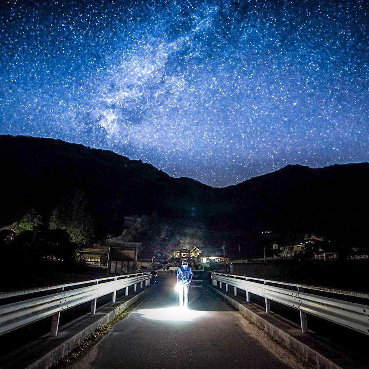 「星が最も輝いて見える場所」としても認定を受けたことのある長野県阿智村・昼神温泉。「美人の湯」と口コミでも人気の温泉をはじめ、見どころ・遊びどころ満載の温泉郷です。ここでは、この昼神温泉の楽しみ方を5つ提案させていただきます。口コミで評判の周辺スポットや見どころなどもありますので、ぜひ参考にしてください。