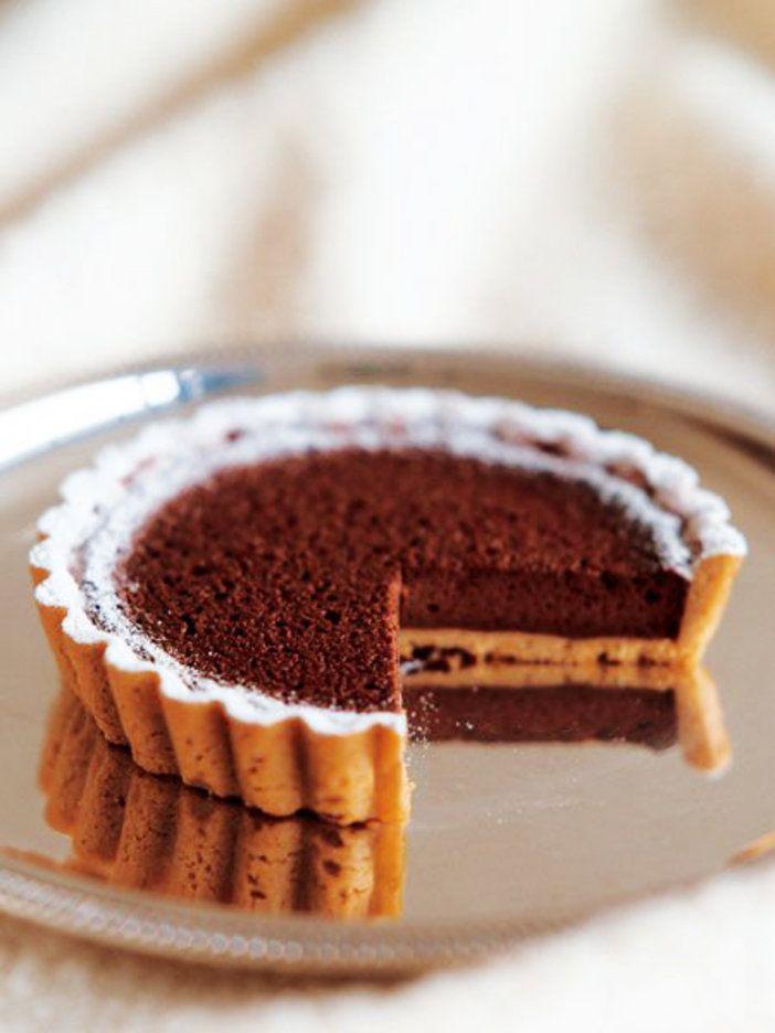 人気パティシエの鎧塚 俊彦さん直伝のとっておき「タルト ショコラ」のレシピ。|『ELLE gourmet(エル・グルメ)』はおしゃれで簡単なレシピが満載!