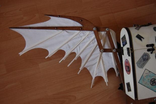DIY Articulated Wing guide. someing like this to look like toothless' tail.