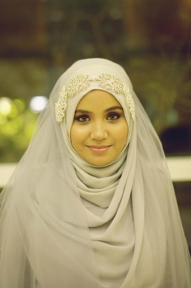 Pretty ,beautiful ,simple,elegant! Hijabi Bride