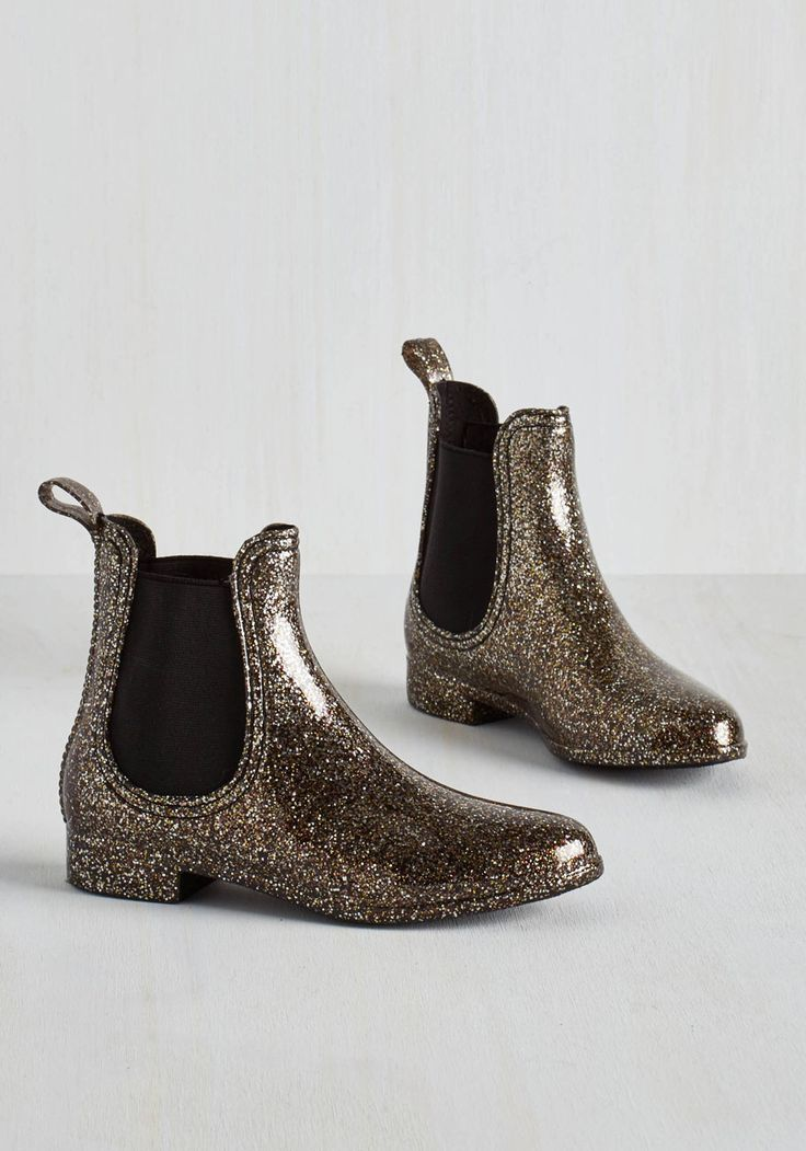 Glitz Raining, Glitz Pouring Rain Boot in Glitter. Put some pizzazz into  your puddle jumping with these sparkly rain boots by Report Footwear!