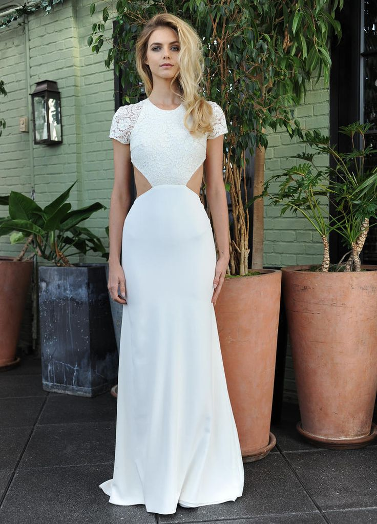 Sarah Seven's Fall 2016 Wedding Dress Collection Keeps It Carefree and Chic | TheKnot.com