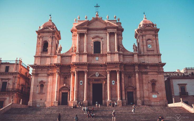 En Sicile, nous allons visiter Syracuse lors de notre séjour, plus tard. Pour l'instant, direction le Triangle Baroque, plus au sud.