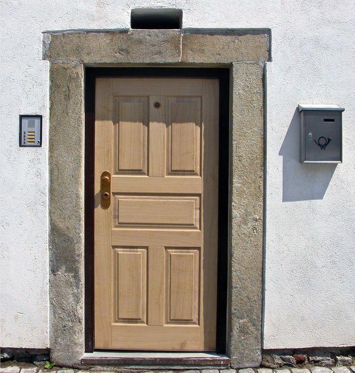 Bezpečnostní dveře NEXT SD 102 jako replika původních dveřích
