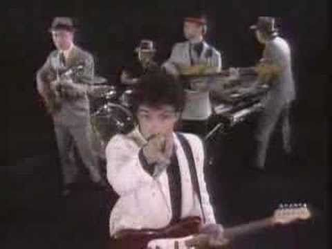 """Hall & Oates / Private Eyes (1981) -- Check out the """"I ♥♥♥ the 80s!!"""" YouTube Playlist --> http://www.youtube.com/playlist?list=PLBADA73C441065BD6 #1980s #80s"""