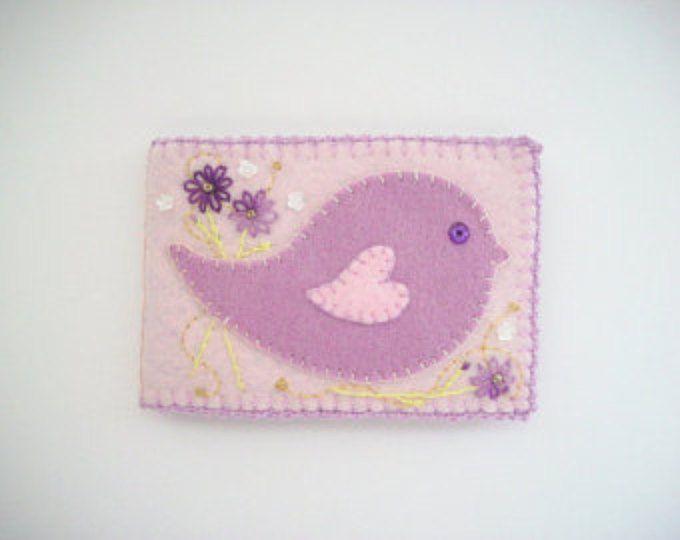 Book Keeper aguja fieltro rosa Pastel con pájaro púrpura arte popular de la aguja y sutura manual de flores bordadas a mano