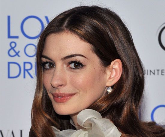 Anne Hathaway's Love and other Drugs Premiere Makeup Look