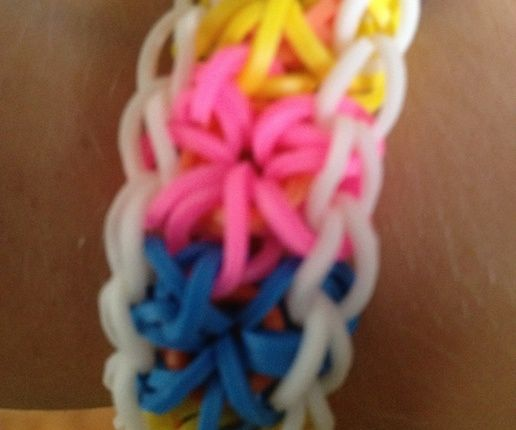 How to Make a Starburst Rainbow Loom Bracelet - Snapguide: Band Bracelets, Rainbows, Bracelet Craft, Rainbow Loom Bracelets, Starburst Rainbow, Friendship Bracelets, Rubber Band, Kid