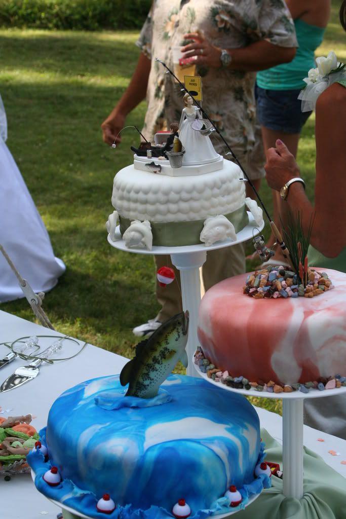 fishing wedding cake.   Cool & Unique Wedding Cakes