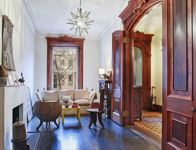 Best 25 brownstone interiors ideas only on pinterest brooklyn brownstone london townhouse Brooklyn brownstone interior