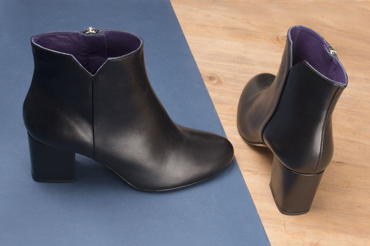Virgin cuir noir #anaki #shoes #vintage #leather #boots #bottines #blakshoes # chaussures #bottines #rock # ootd #femmes #womenshoes #fashion #frenchdesigner