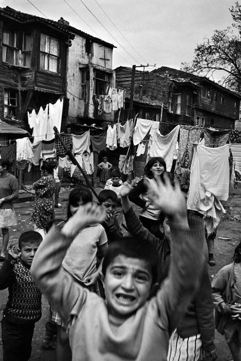 Magnum Photos-Ara Guler TURKEY. 1969. Wooden houses and children in the Gypsy quarter, Sishane.