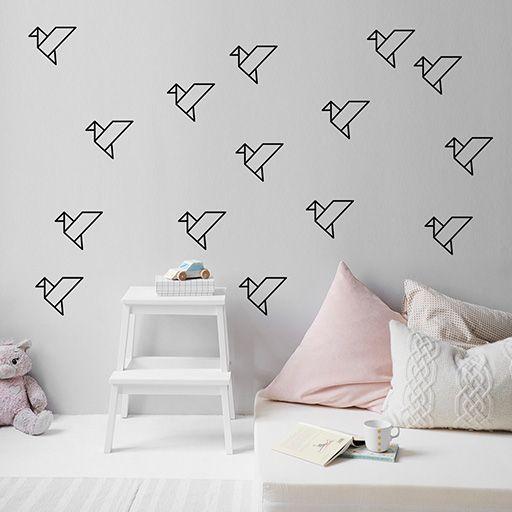 Pack de 15 pájaros de vinilo de origami, para pegarlos de forma individual como quieras.
