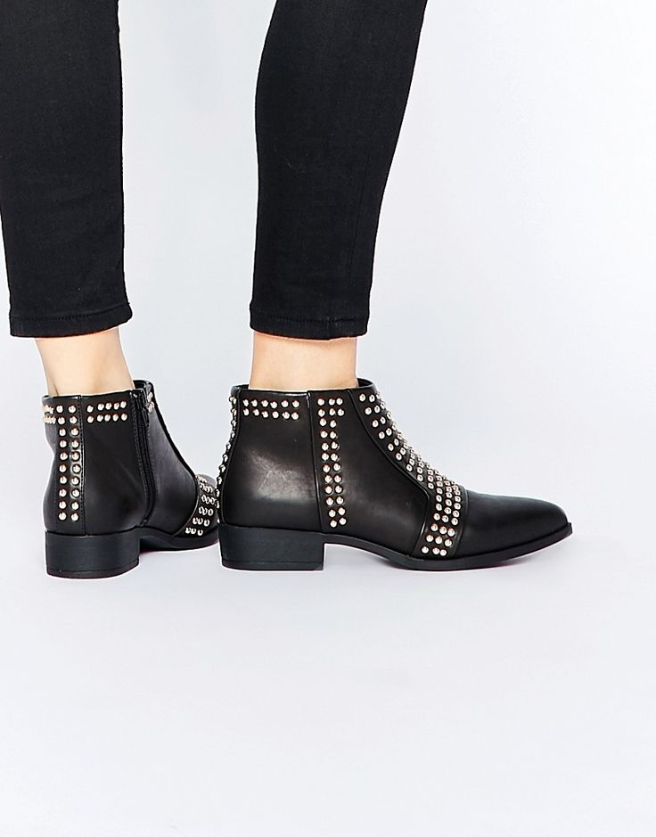Unpacked: @aidamollenkamp On What To Pack For France | Studded Pointed  Ankle Boot |