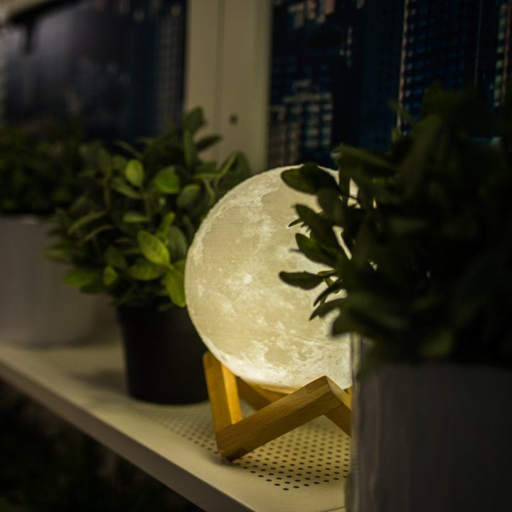 I don't know why, but I really want this... Moon Light - Thanks to the latest 3D printing technology, the moonlight is now truly portable. After hundred of years for the people who chase the mystery of the moon, now it is not only in the sky, but anywhere you want. | art life idea