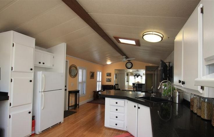 1000 images about mobile home ideas on pinterest single for Bachelor kitchen ideas