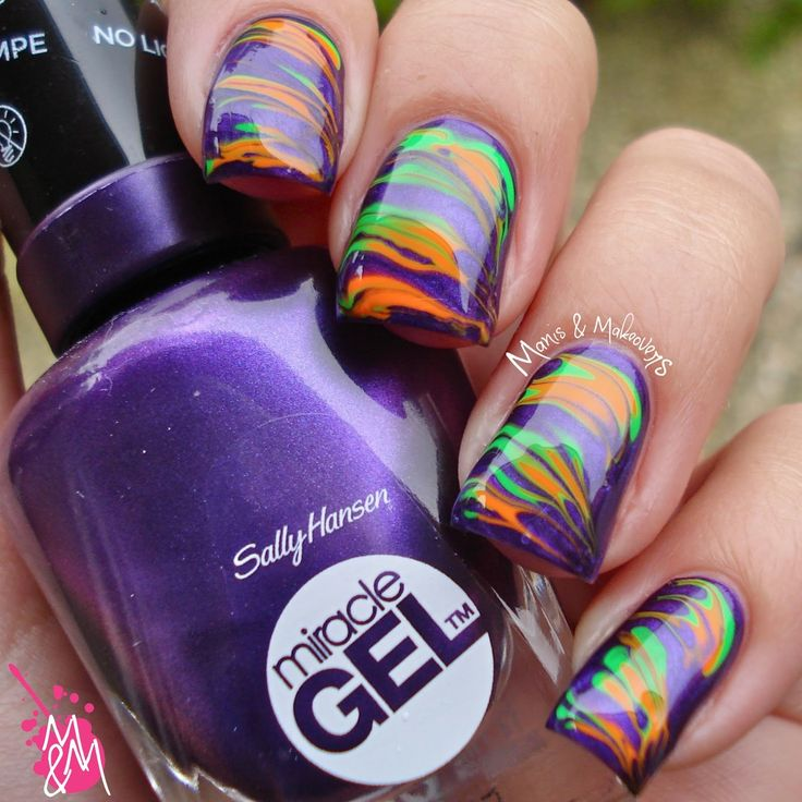 Manis & Makeovers: Halloween Dry Marble