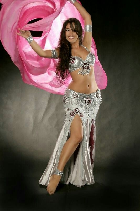 Exotic Egyptian Belly Dance Fashion Show Opens in Macau