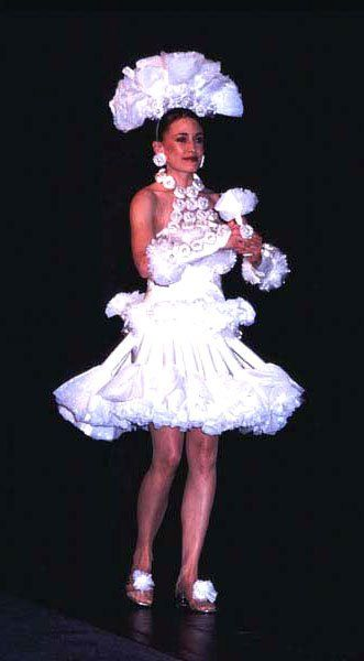 10 ugliest celebrity wedding dresses EVER! | Scott Stevens ...