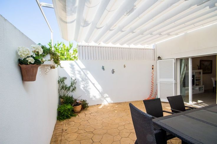 Townhouse with terrace in Molinar.