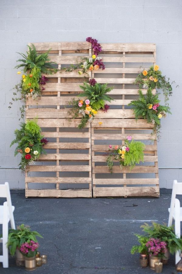 Modern Industrial Pallet Wedding Ceremony | Candice Benjamin Photography | See More! http://heyweddinglady.com/citrus-orchid-and-jade-modern-industrial-wedding-inspiration/