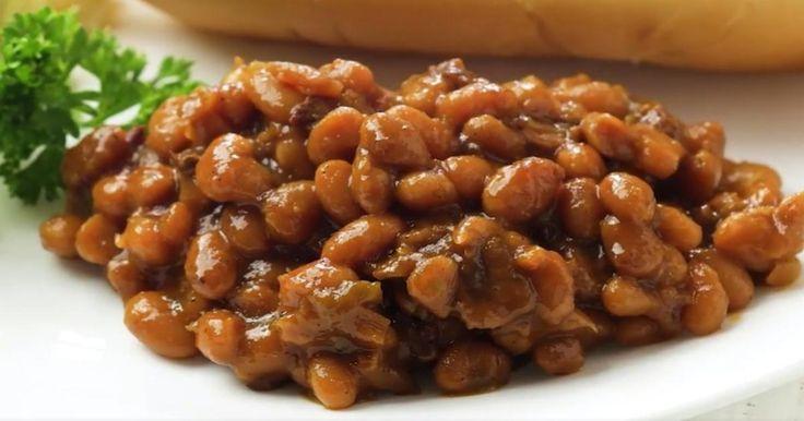 Des fèves au lard cuites lentement dans la mijoteuse, y'a rien de meilleur!