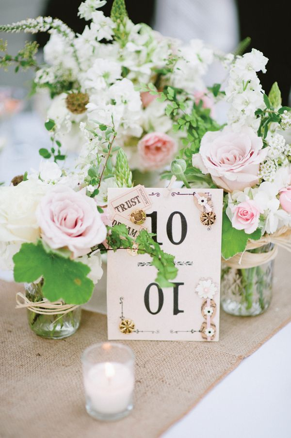 sweet pink + white centerpieces | Lauren Larsen #wedding
