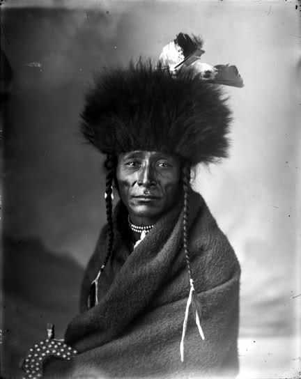 Flying Chief (Sotanah), head chief of the North Bloods; photo by Ross (erroneously credited to Harry Pollard), ca. 1885/1886