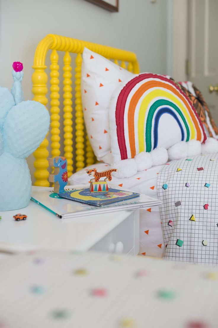 Best 25 teen shared bedroom ideas on pinterest share for Rainbow kids room