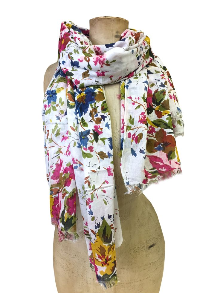 Hem&Edge scarf - Flower bunches scarf #multi 100% viscose 100x180cm #springsummer #scarf #accessories #onebutton #hemandedge Click to see more products from the One Button shop.