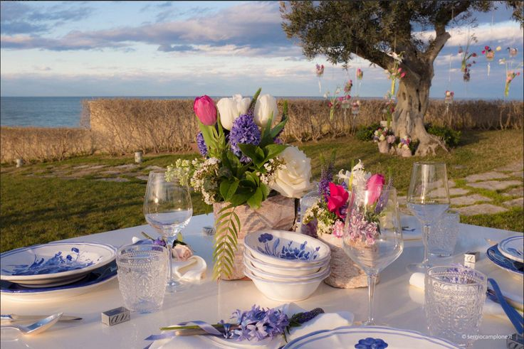 Blu mise en place wedding