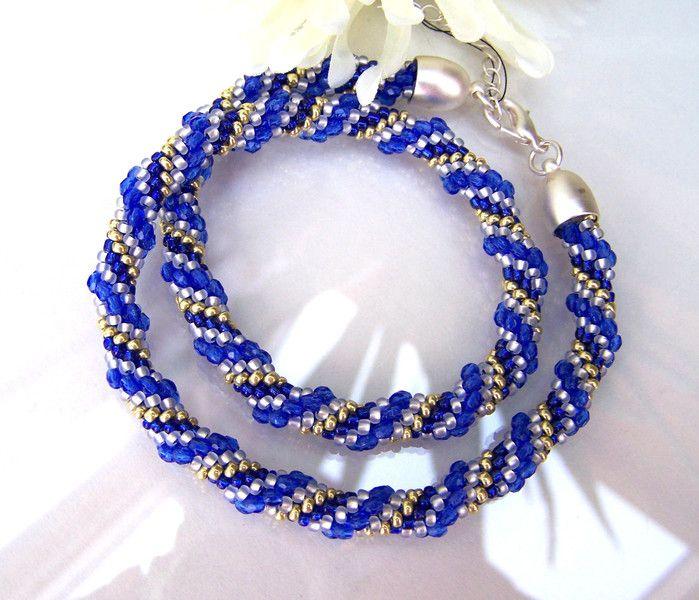 Kette °Glitzerperlen blau° #328 von dieHAEKELKETTEundmehr auf DaWanda.com