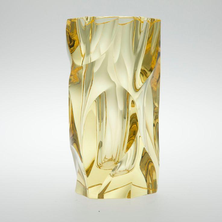 ** Aimo Okkolin Riihimäen Lasi Oy. Cerium-yellow cut glass. Height 25,5 cm.