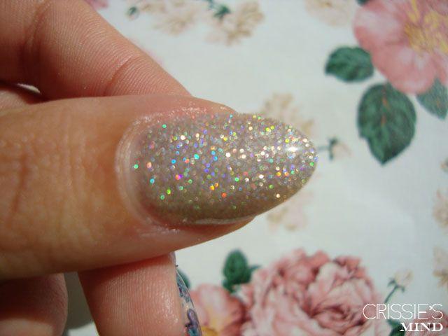 Flormar 392 | Holographic glitter nail polish