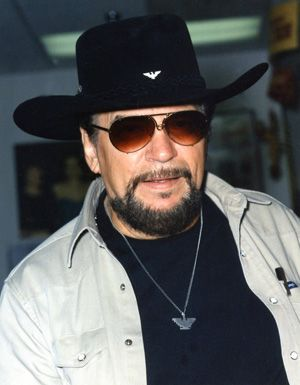 Waylon Jennings (aka the greatest country musician of all time)