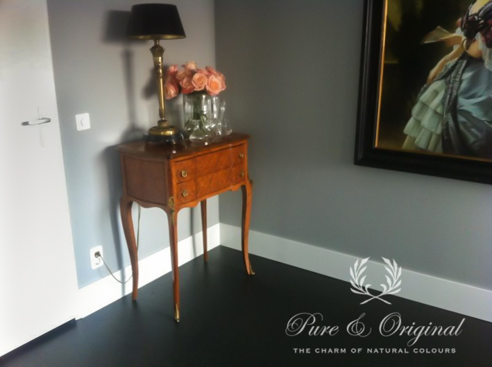 Vloerverf / Floorpaint color: Thunder Sky  http://www.pure-original.nl/index.php
