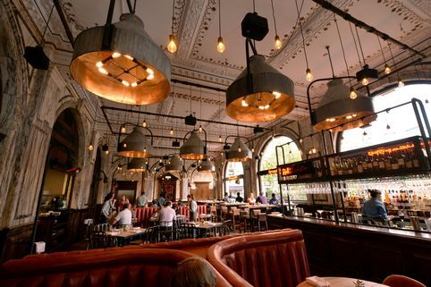 Pubs with a theme