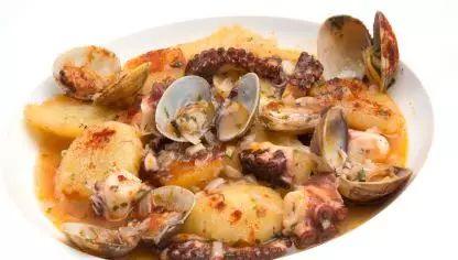 Receta de Cazuela de patatas, pulpo y almejas