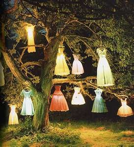 enchanting!: Walker Photography, Solar Lights, Dresses Lamps, Neat Ideas, Tim Walker, Bridal Shower, Lights Ideas, Outdoor Lights, Lamps Trees