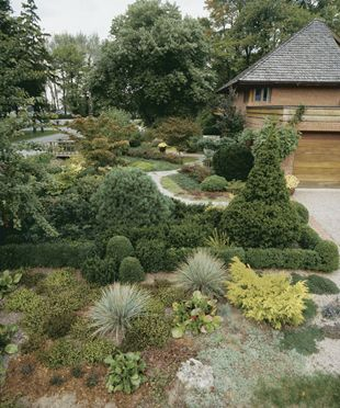 Designing a Lawnless Front Yard: Boxwood Hedges, Gardens Ideas, Front Yard Gardens, Side Gardens, Front Yards, Lawnless Front, Fine Gardens, Gardens Yard, Dreams Gardens
