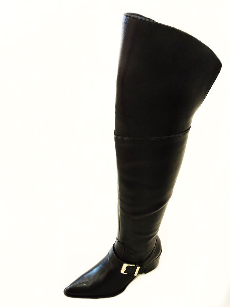 Na Zutti do ShopSãoJosé, você encontra vários modelos de Bota Over The Knee para o Outono-Inverno 2015!  R$229.90