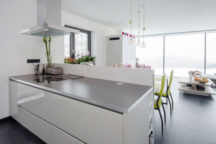 die besten 25 k che nussbaum ideen auf pinterest nussbaum betonk che und insel vom stein. Black Bedroom Furniture Sets. Home Design Ideas