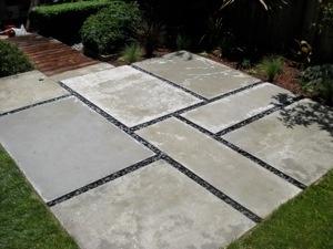 Poured concrete pieces with mexican pebbles