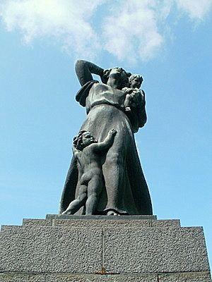 Näsinpuisto, muistomerkki Höyrylaiva Kurun onnettomuudelle vuonna 1929. Kuva: matkailu-opas