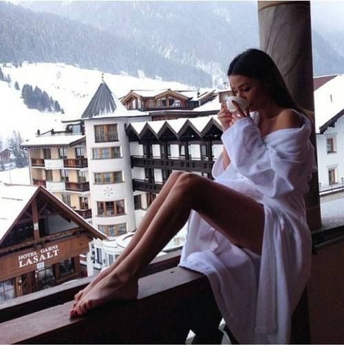 Afbeelding via We Heart It https://weheartit.com/entry/165894635 #alone #cozy #goaway #hotel #longlegs #peace #peaceofmind #places #sexy #ski #snow #snowy #travel #vacation #view #winter #woodenhouse #amazingplaces #seetheworld #hotdrink #metime #luxuryvacation #woodenhotel