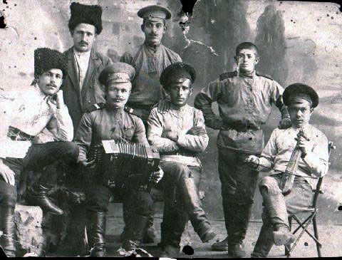 Pontic Greeks in the Russian Army taking a break during the First World War. Ufa, c1914-1916.