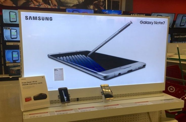Samsung Galaxy Note 8 maketi yeni sırları açığa çıkardı - https://teknoformat.com/samsung-galaxy-note-8in-maketi-telefonun-parmak-izi-sensoru-dual-kamera-yapisi-ile-ilgili-yeni-sirlari-aciga-cikariyor-14499