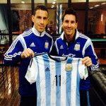 El plantel argentino le envió una camiseta autografiada al Papa Francisco