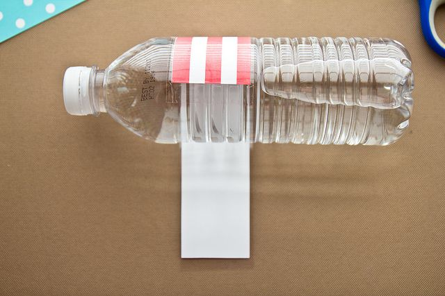 How to Make Custom Water Bottle Labels by foodiebride, via Flickr