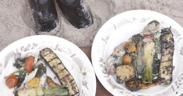Grillade fiskpaket med örter och tomat